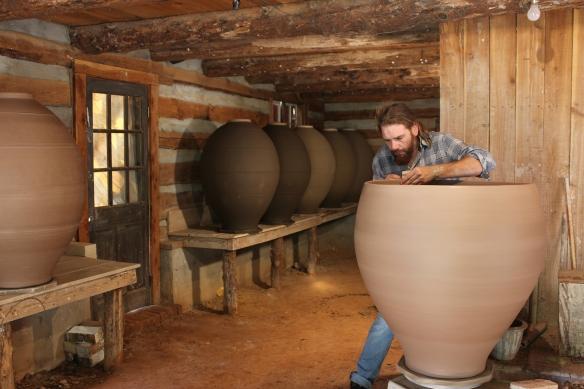 making large pot.JPG